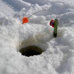 So kannst du erfolgreich auf Winterfische Eisangeln